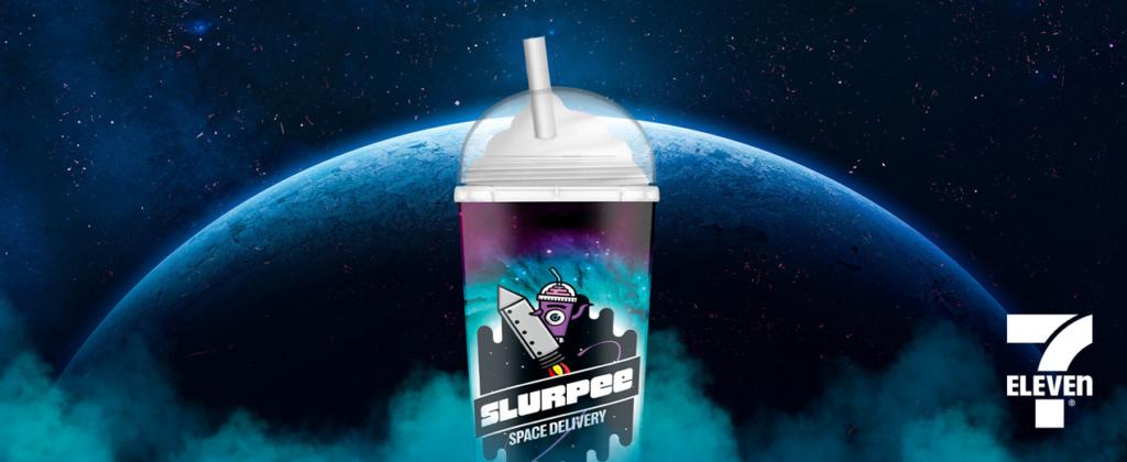 """Zajímavá marketingová kampaň: americký řetězec obchodů vyšle jeden ze svých nápojů na """"soukromý let do vesmíru"""""""